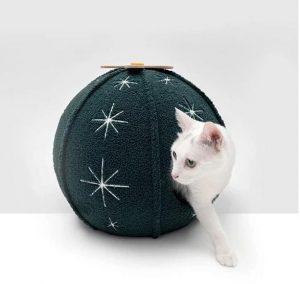 ZEZE Oasis Ball House Pet Bed
